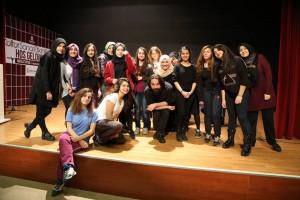 Başakşehirli Gençlere Ücretsiz Tiyatro Eğitimi Başakşehirli Gençlere Ücretsiz Tiyatro Eğitimi